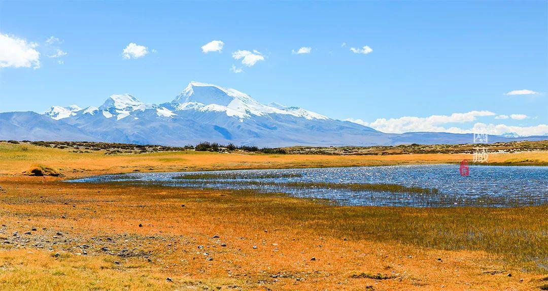 印度人喜欢在恒河中洗澡,我国竟也有个众人朝拜、沐浴净身的圣湖
