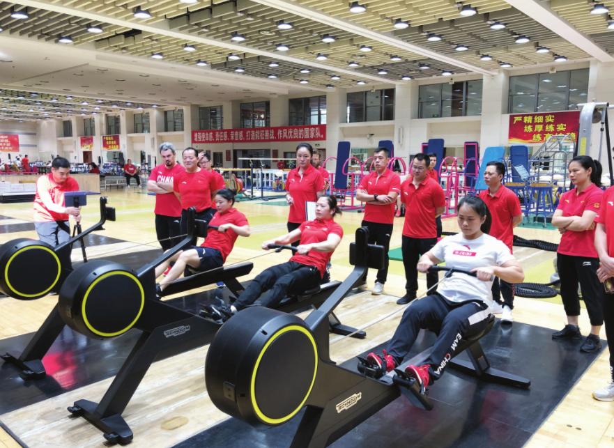 举重队参加全锦赛体能测试 积累带来质变全员过关
