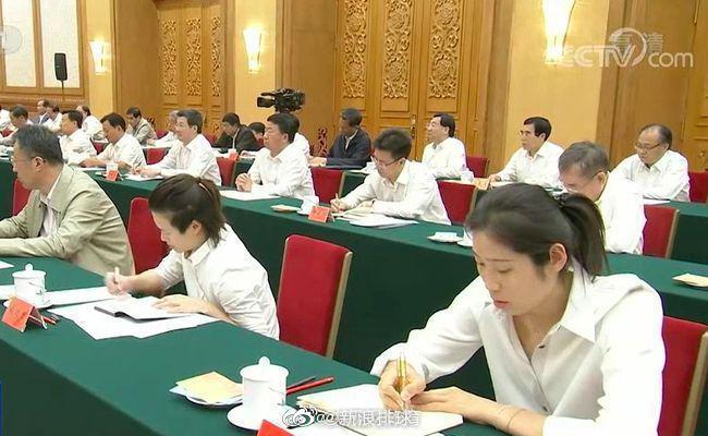 习近平总书记赞女排是国人骄傲 和朱婷亲切打招呼