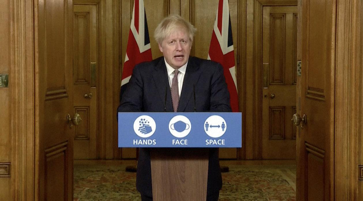 """英国首相:英国将实施""""新版""""三级疫情防控措施"""