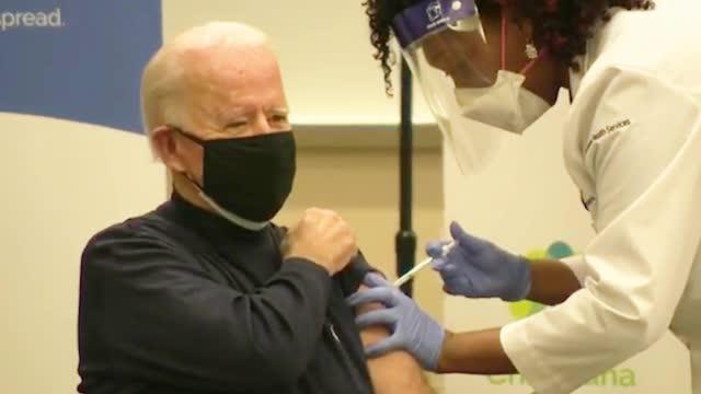 拜登接种新冠疫苗