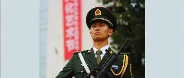 【迎接党代会·代表风采】我与国旗的约定—新材院学生蔡靖轩的故事