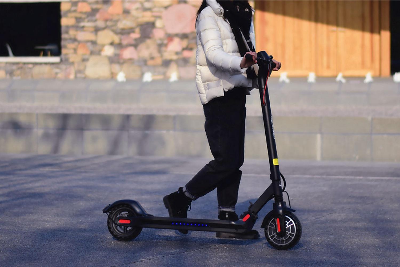 不堵车,电动滑板车好用吗?科洛威M5真实评测