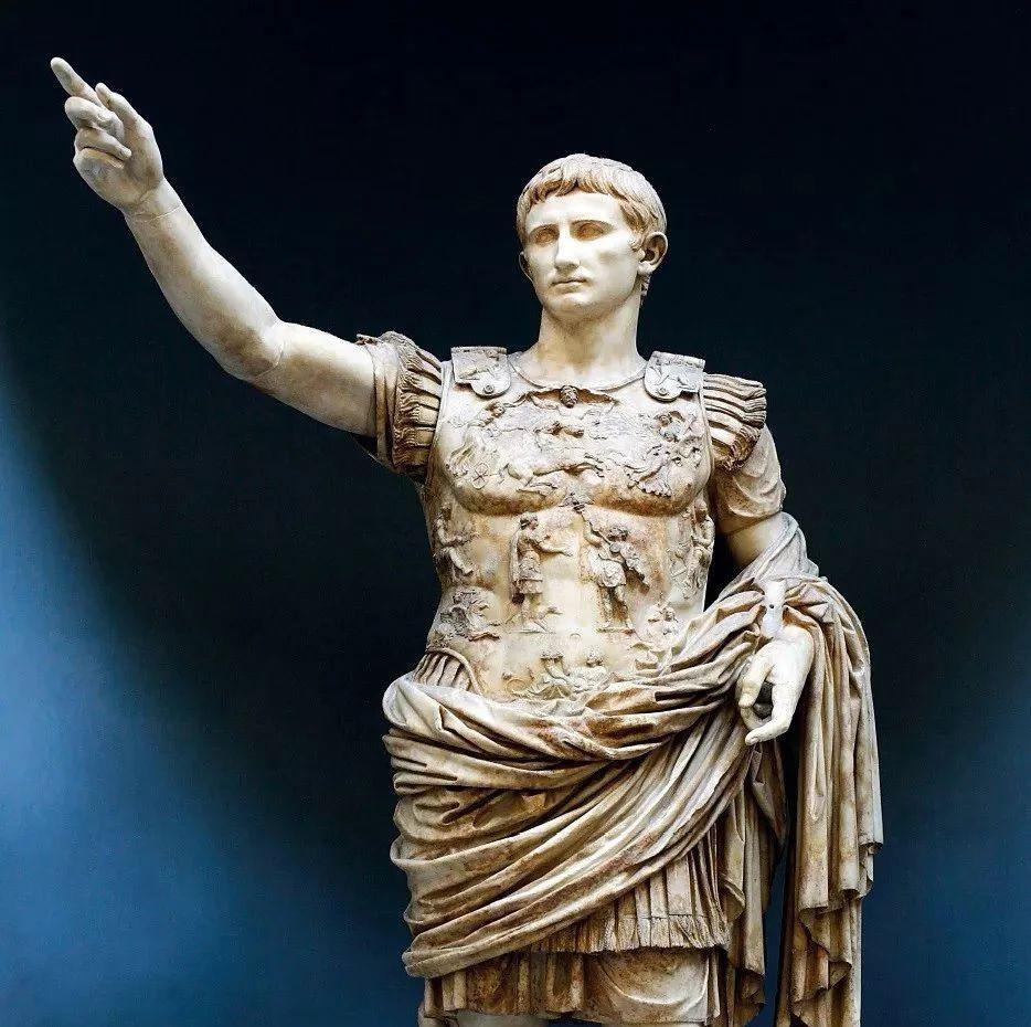 梵蒂冈博物馆的藏品画册,带你欣赏976件绝世馆藏珍品!