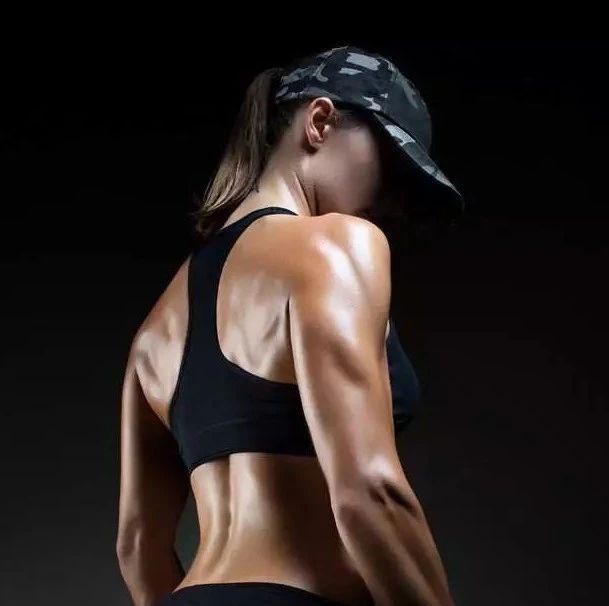 碎片腹肌训练,冬季懒人强效健身法!