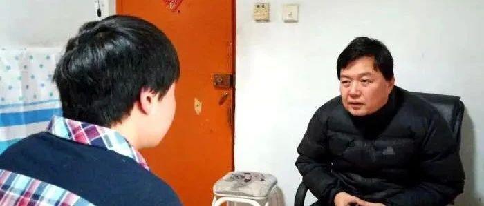 """一诺千金的保安大叔与""""陈氏孤儿"""""""