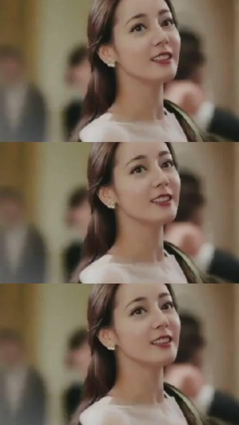 巴巴版灰姑娘[馋嘴]#迪丽热巴##迪丽热巴你是我的荣耀##迪丽热巴吃个彩虹#