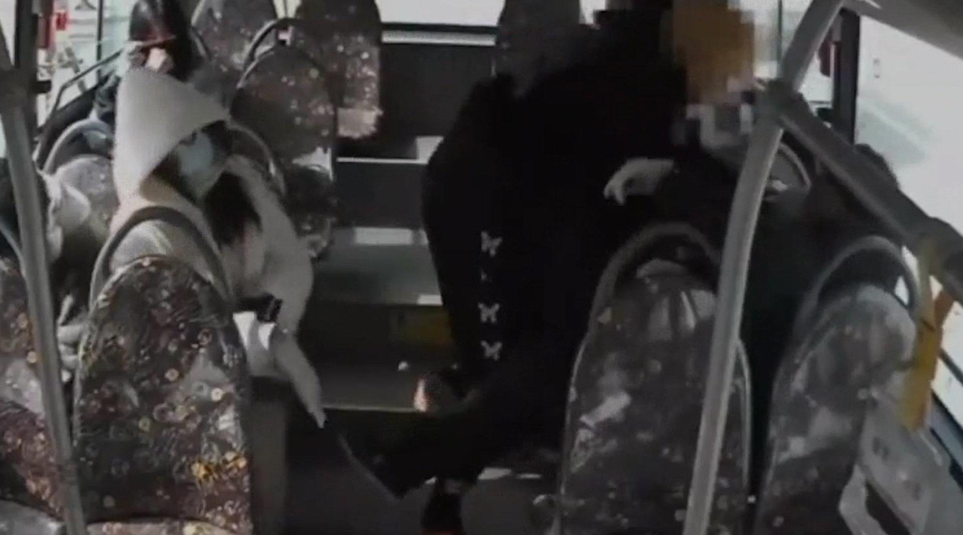 公交司机劝乘客戴口罩被打