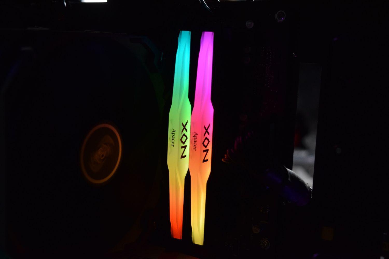 只会一键超频?宇瞻暗黑女神RGB灯条开箱