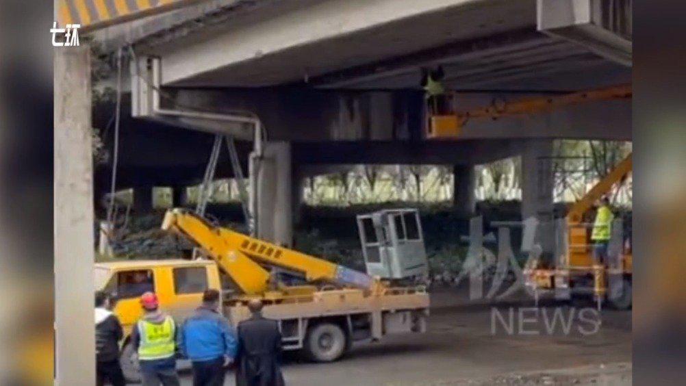调查来了!压坏武汉三环线桥梁的肇事货车总重或超50吨,该桥限重30吨