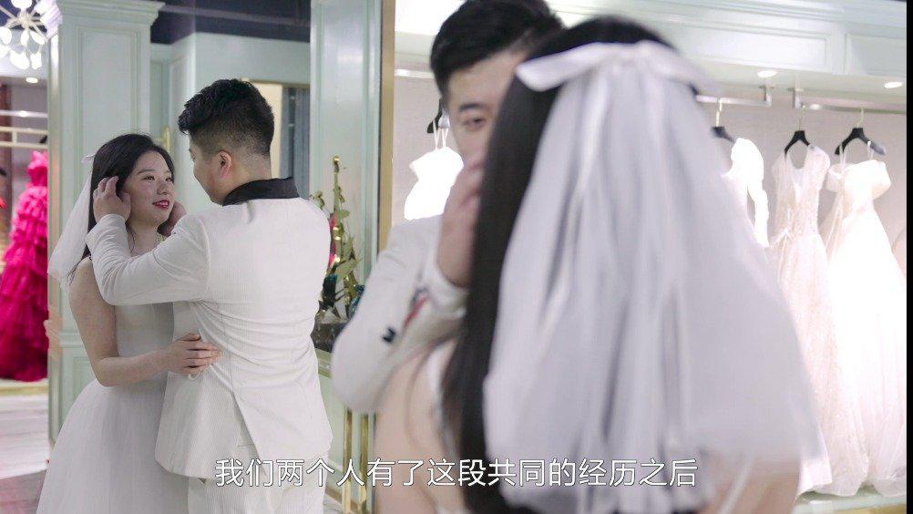 援鄂医护回武汉拍婚纱照