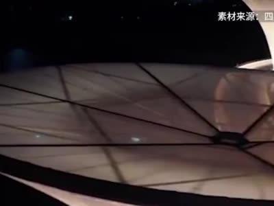 成都跨锦江人行天桥建成,酷似马蹄莲走红