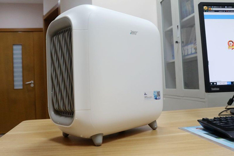信山RHT空气净化器:卧室的汗渍味再也没有了