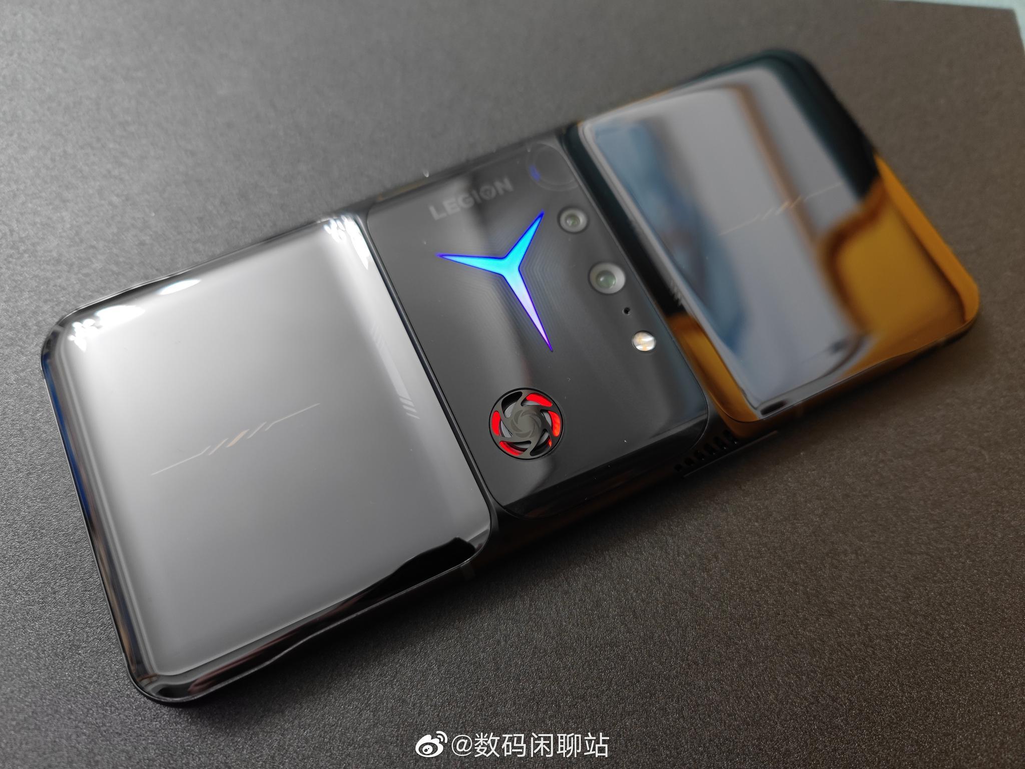 联想拯救者电竞手机2 Pro官方渲染图公布:镜头中置,自带风扇