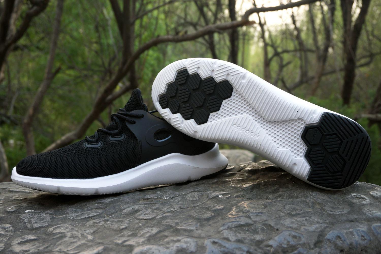 户外踏青和轻跑健身两相宜,咕咚5K智能跑鞋