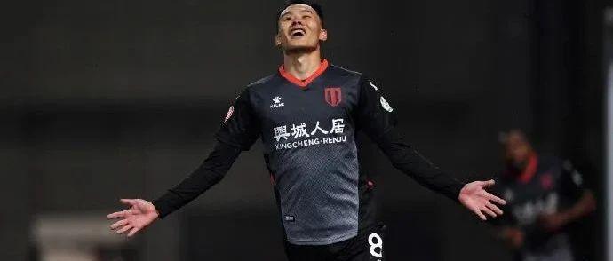 刘若钒1进球1助攻 中甲首秀力助球队大胜!