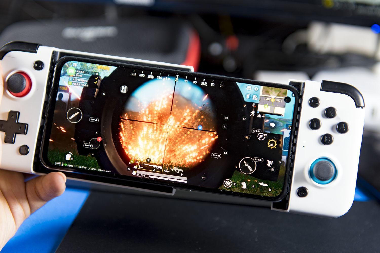 骁龙865手机+盖世小鸡X2:畅玩主机游戏