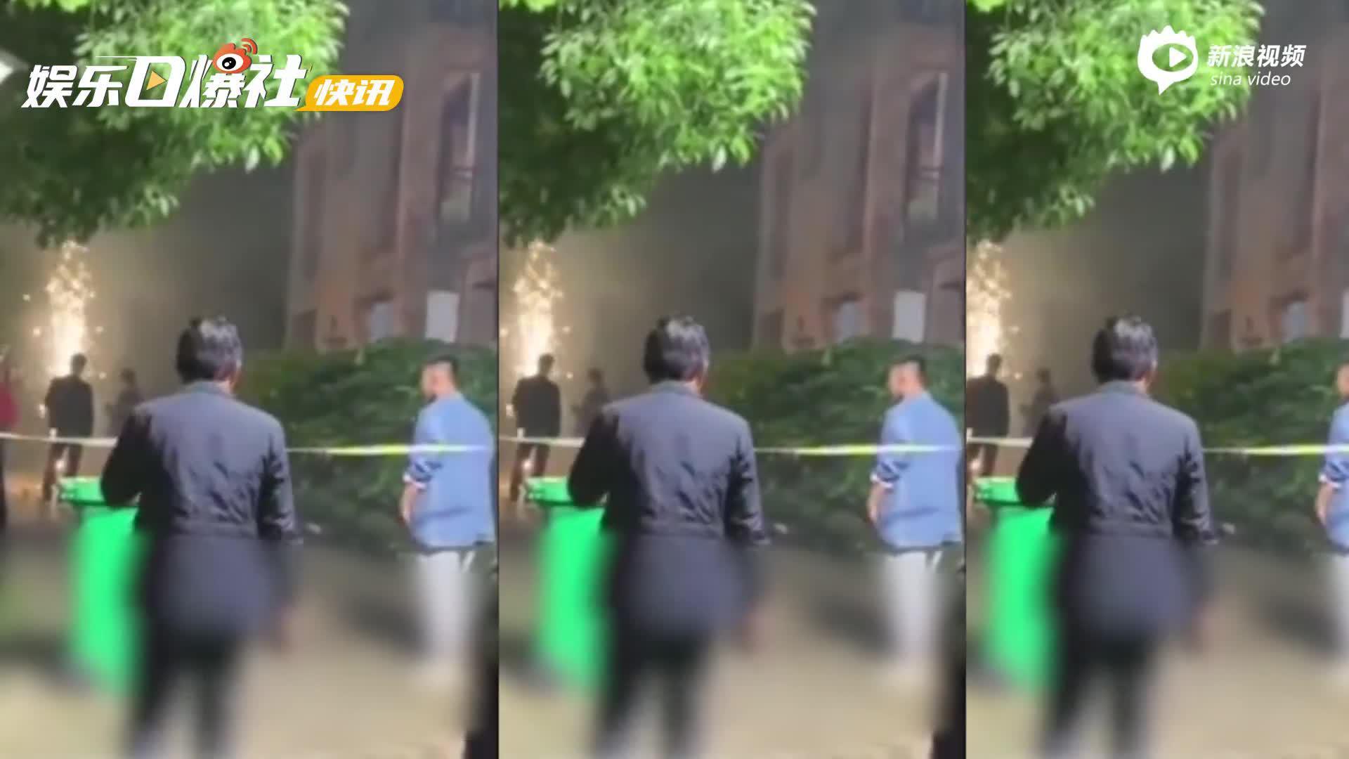 网曝张新成付辛博《深渊》剧组扰民 业主报警处理