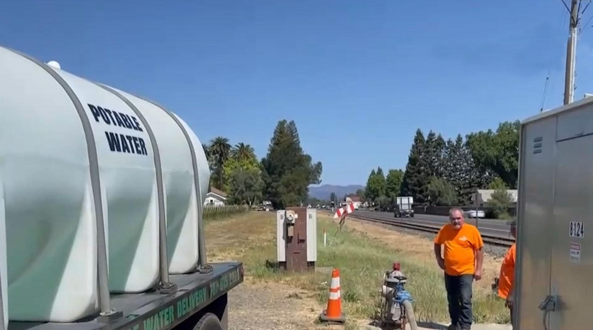 美加州旱情严峻 偷水贼猖獗