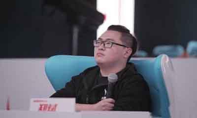 大神工厂,电竞圈超严格的电竞经纪人明星导师郑斌