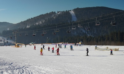 布克维Minor参赛队依次抵达布克维,Nigma开启滑雪模式