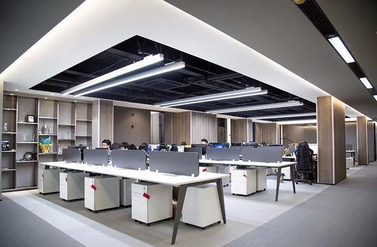 VG的办公区域,还有许多工位虚位以待