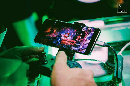 ▲ 微软在 E3 现场提供了 xCloud 云游戏平台的试玩