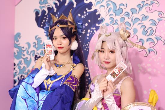 彩瞳出圈!4iNLOOK&POPmagic惊艳登场China Joy!
