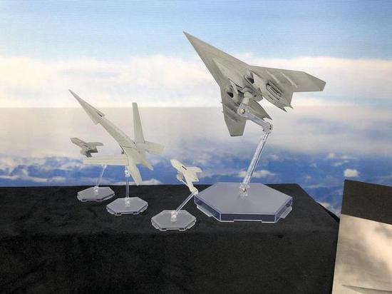 即将推出的ADF-11F Raven模型
