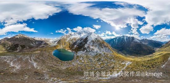 雅拉雪山与雅拉庸错,第一次看到雅拉雪山是映衬在塔公金塔的背后,震撼!