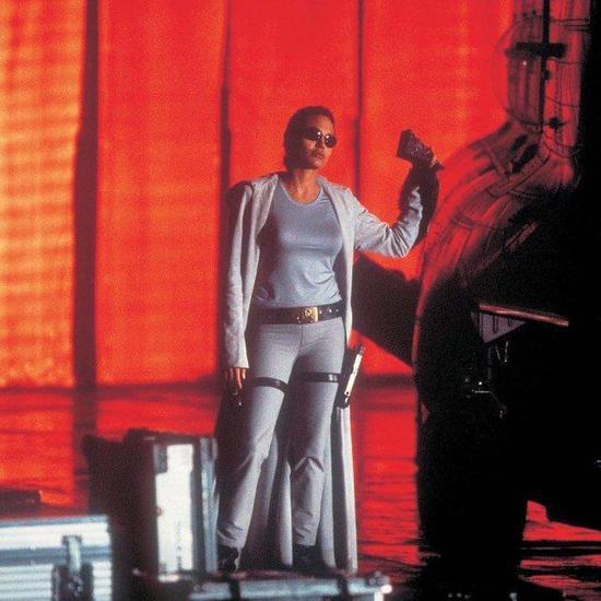 1.《古墓丽影》(2001)