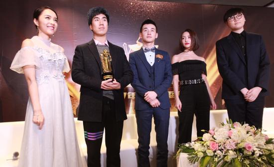 威尼斯人官网:英雄联盟年度颁奖RNG成最大赢家狂揽九项大奖