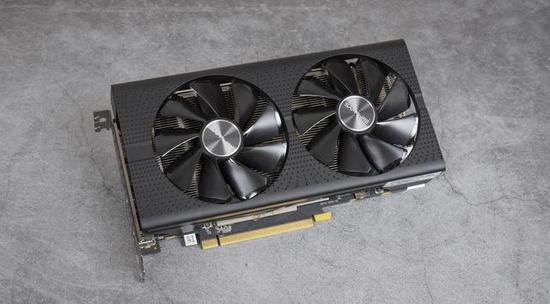 蓝宝石RX 560XT 4G 白金版OC,核心频率为1226Mhz,显存频率为1750MHz。