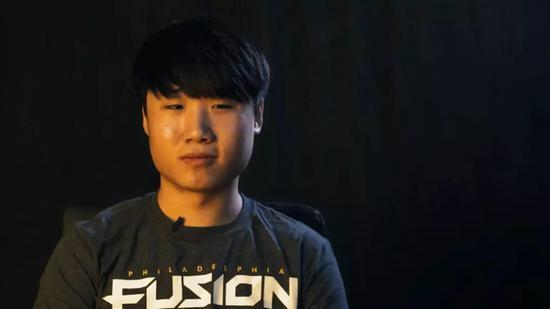 韩国电竞职业选手Sado,他是一位《守望先锋》的坦克玩家
