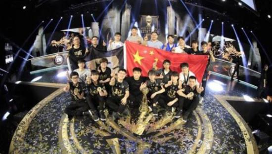 RNG获得2018MSI季中赛冠军