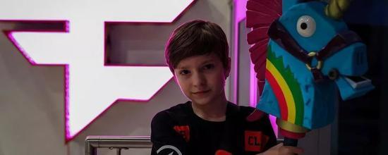 有40万Twitch粉丝,但是不到13岁的H1ghSky1