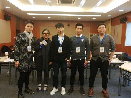钛度电竞教育CEO Sky李晓峰,大神电竞CEO 区晓文(小烈),iG俱乐部COO 郭�蘖τ胛逍翘逵�解说