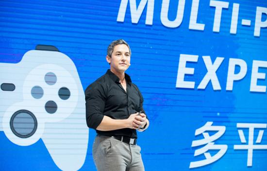 英雄联盟手机与主机平台全球执行制作人 Michael Chow