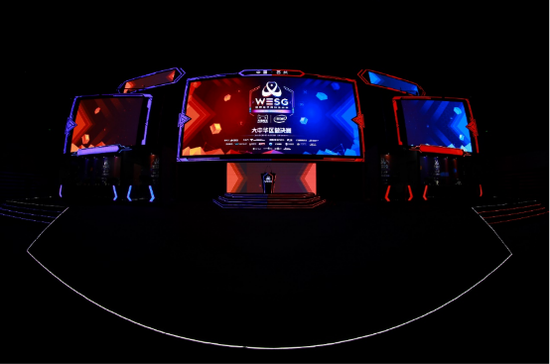 """第四届WESG大中华区总决赛主舞台设计为一个巨大的""""猫头"""""""