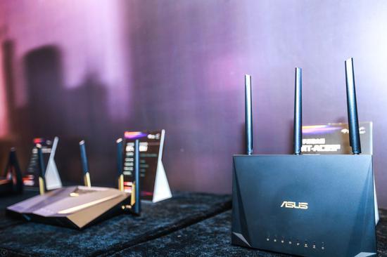 华硕电竞网卡PCE-AC88 ,3100M传输速率,更是目前网络客户端H和NAS高速传输匹配佳选