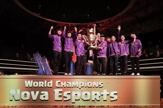 Nova在2018年勇夺首届CRL全球总决赛冠军