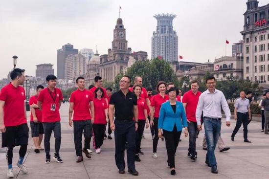 浦江会客,上海市副市长会见TI9战队代表福建省电竞学院NITR-324