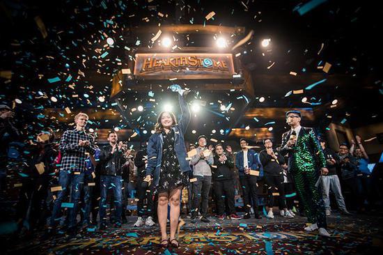 恭喜VKLiooon夺得特级大师赛全球总决赛冠军