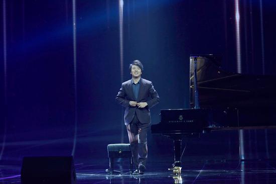 知名钢琴演奏家朗朗带来的表演
