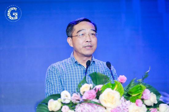 广东省文明和旅行厅党组成员、副厅长曾晓峰