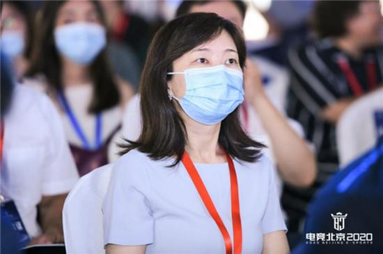 首创集团文创办主任、首创创投董事长崔萍出席大会