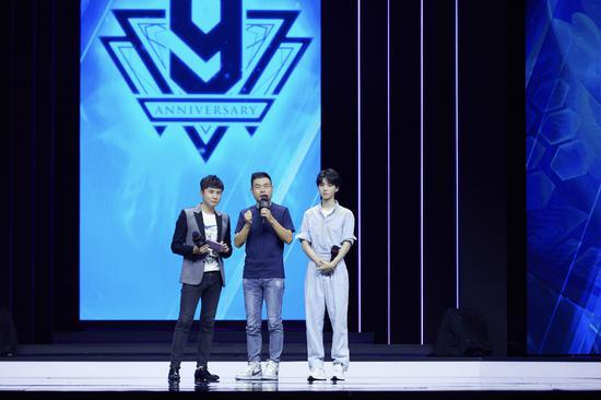 周杰伦王俊凯代言《英雄联盟》:首先是玩家,其次才是代言人