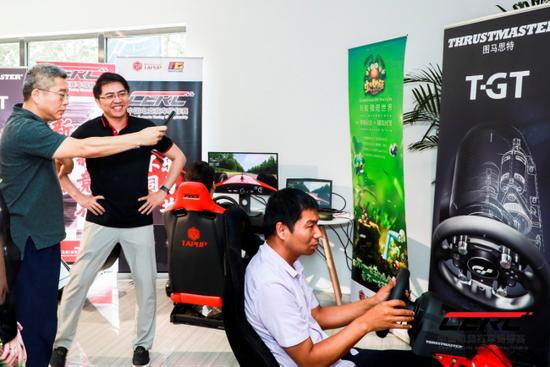 刘建宏先生发布会现场讲述赛车电竞和线上平台如何结合