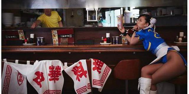 日本写真女星仓持由香COS春丽 露美腿