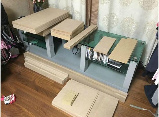 亲自设计并组装了一张超豪华的家庭台式电脑桌!